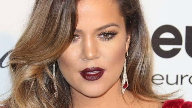 Pregnant Khloe Indulges Popeye's Chicken Craving on Private Jet