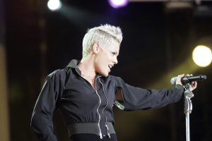 P!nk Performs On GMA [watch]