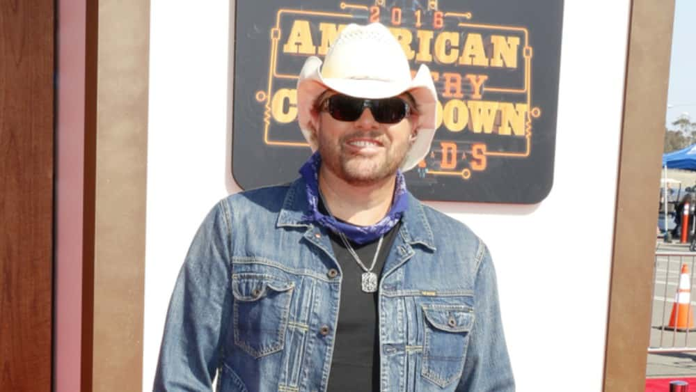 """Toby Keith Celebrating First Single's 25th Anniversary With """"Should've Been a Cowboy Tour XXV"""""""