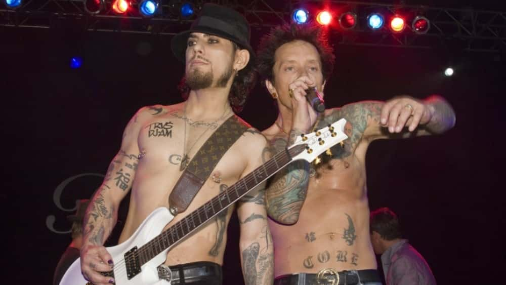 """Dave Navarro & Billy Morrison Recruit Courtney Love, Billy Idol For """"Above Ground"""" Mental Health Charity Show"""