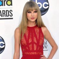 Suspected Stalker Arrested Outside Taylor Swift's Home With Knife And Rope