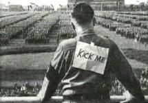 hitler-kick-me_4619