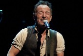 Teen Fan Performs 'Growin' Up' With Bruce Springsteen