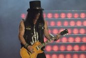 Slash To Record New Album With Myles Kennedy And The Conspirators