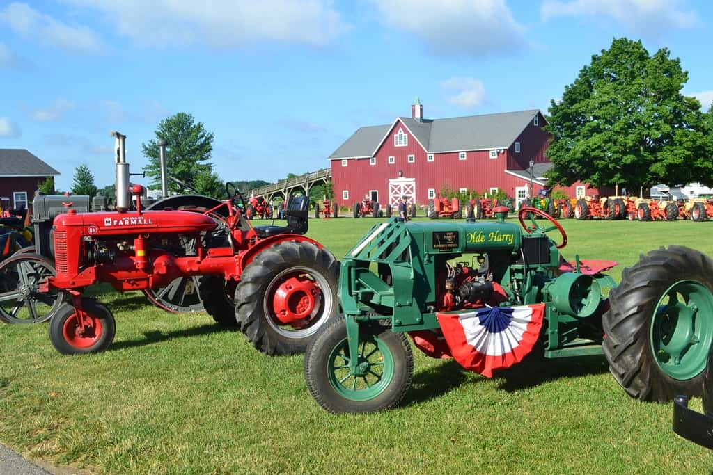 Tractor And Car Show : Th of july auto and tractor show discover north iowa