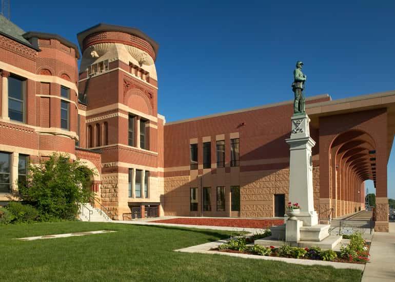 Freeborn Courthouse