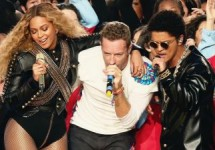020816-celebs-out-beyonce-chris-martin-bruno-mars