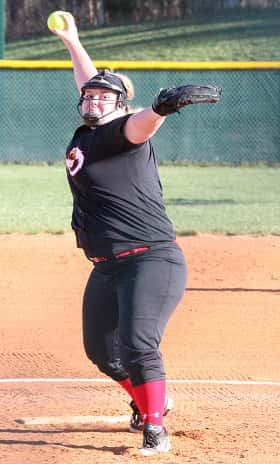 Maddie Ortt is 3-1 on the mound for the Lady Eagles.