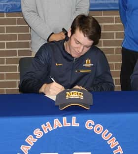 Quinn signed with the Murray State golf program Thursday at Marshall County High School.