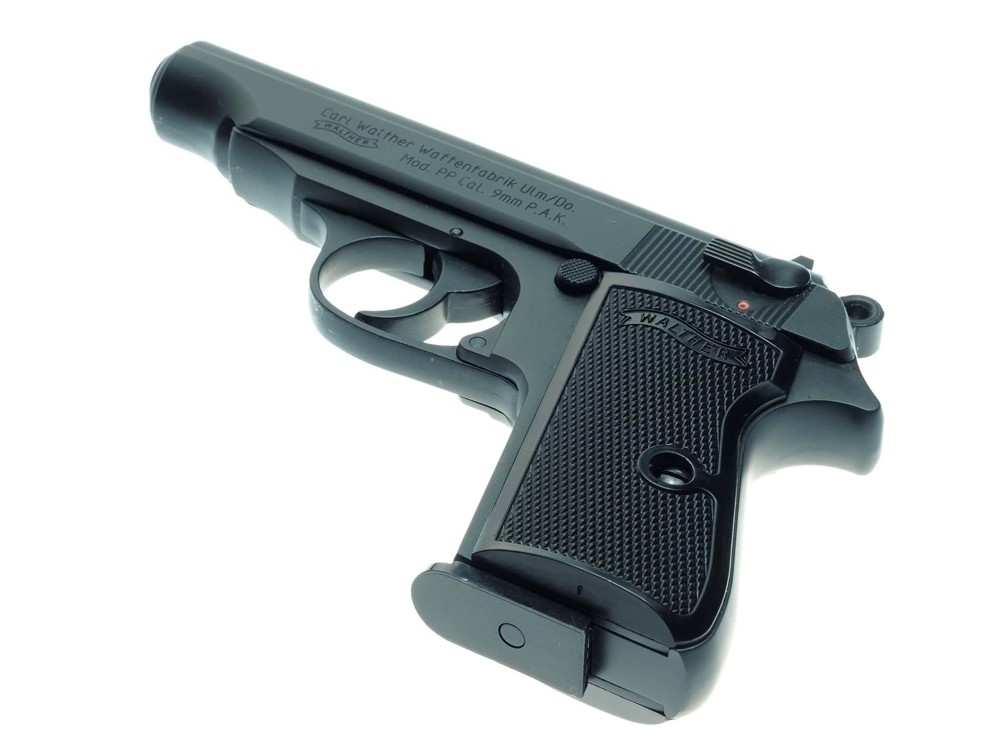 pistol-946398_1920.jpg