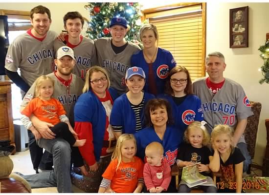 Cubs-family-Christmas-pic