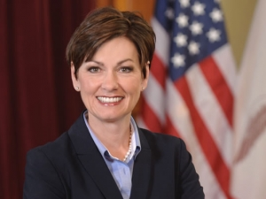 Lt. Gov. Kim Reynolds Makes Several Stops In Carroll County Tuesday