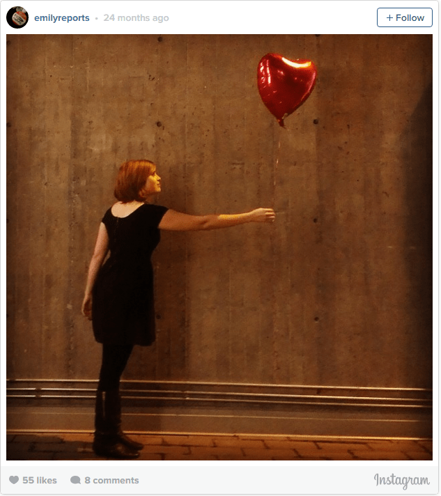 Banksy-Girl-with-Balloon-Costume