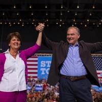EUA: Esposa de candidato demócrata a vicepresidencia no es ajena a escenarios politicos
