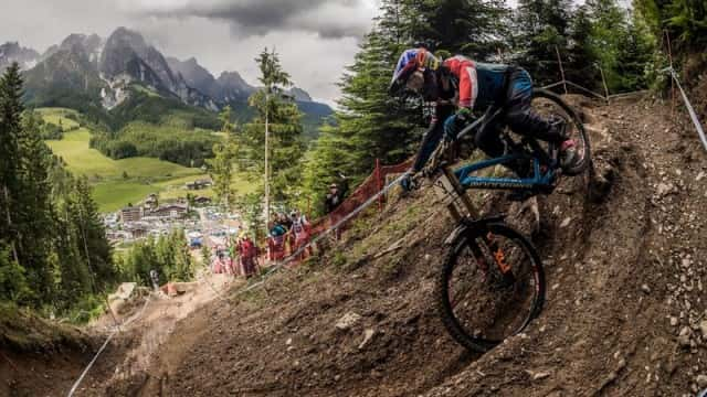 danny-hart-competing-during-finals-at-the-2016-uci-mtb-downhill-world-cup-round-in-leogang-austria