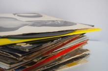 records-925206_640