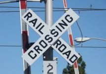 railroad-crossing-1334244_1280