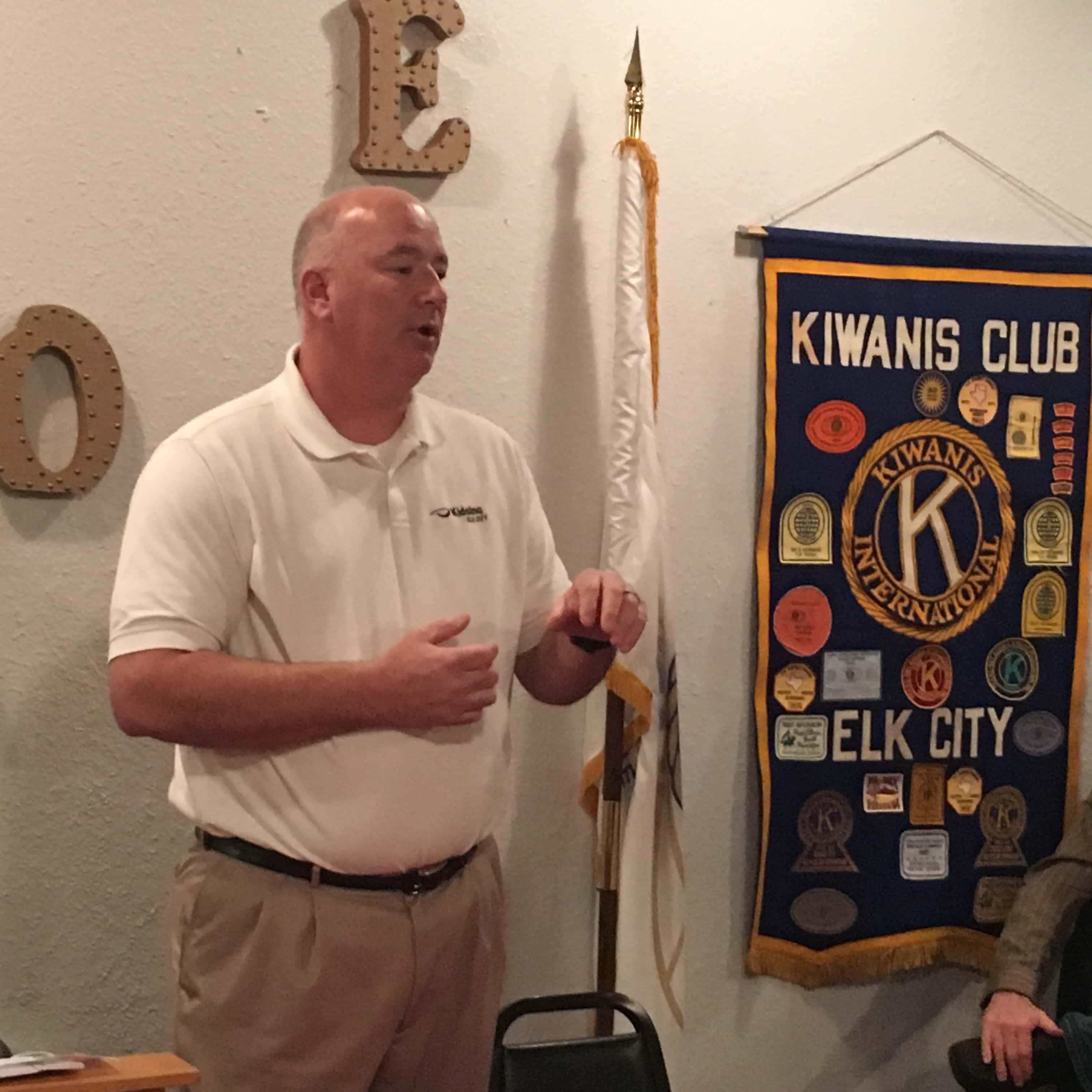 Joey Bales Speaks at Kiwanis