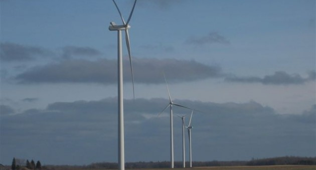 A wind turbine blade has broken off near Minden City