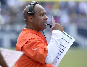 Cleveland Browns head coach Hue Jackson watches from the sideline in the first half of an NFL football game against the Tennessee Titans Sunday, Oct. 16, 2016, in Nashville, Tenn. (AP Photo/Mark Zaleski)