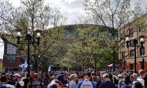 The-Plaza-is-Packed-B-1024x676.jpg