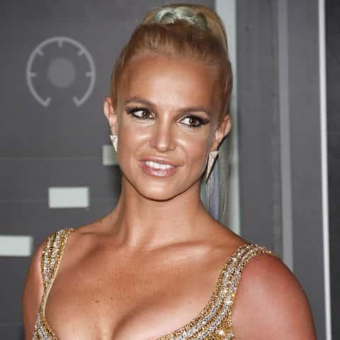 BritneySpearsMakesHilariousCameoonJaneTheVirginWatch..jpg