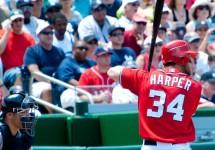 MLBWalkingHarperatBonds-ianRates..jpg