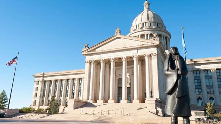 OklahomaMovestoBanAbortion..jpg