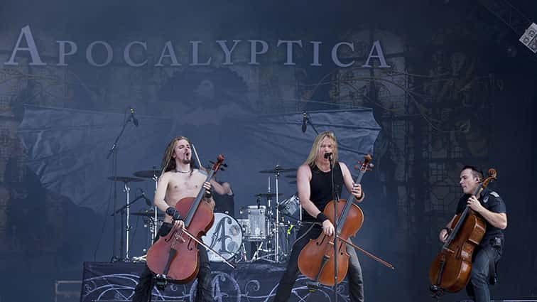 ApocalypticaSettoTourwith10Years-FailureAnthem..jpg