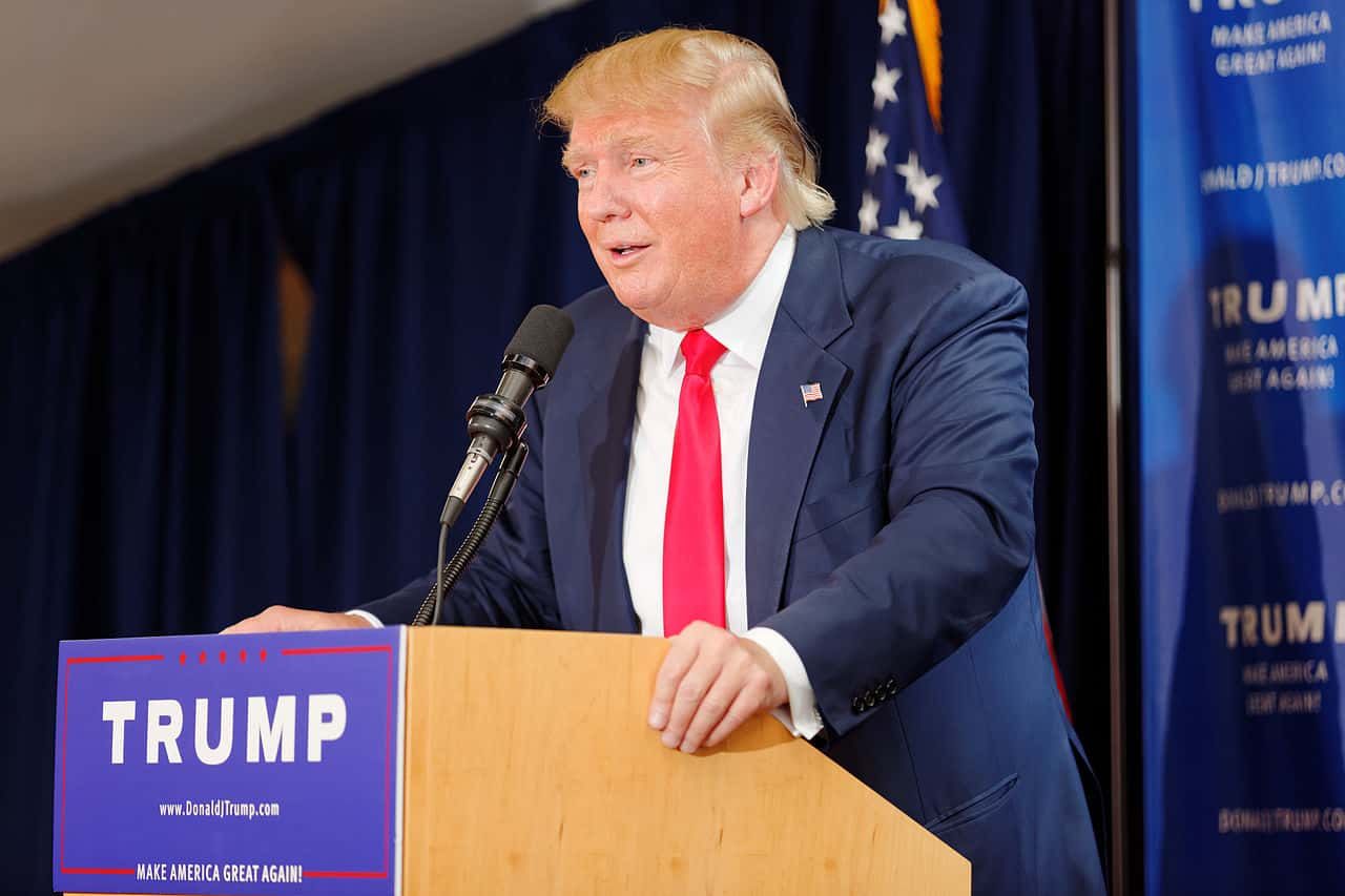 Donald_Trump_Laconia_Rally_Laconia_NH_4_by_Michael_Vadon_July_16_2015_20.jpg