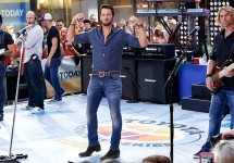 LukeBryanSettoPerformatGrammyAwards..jpg