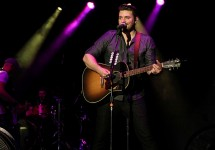 ChrisYoungSettoReleaseNewMusicSoon..jpg