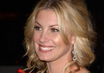 IsFaithHillGoingtoReplaceBlakeSheltononTheVoice..jpg
