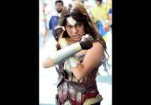 160723192757-09-comic-con-cosplay-0723-super-169