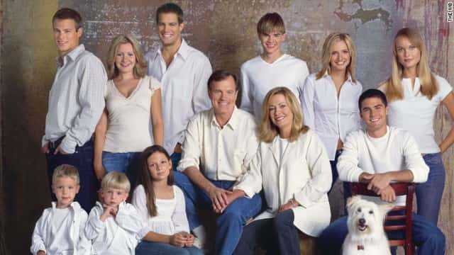 7TH HEAVEN (Season 7) Image #7TH02-0088 Pictured (left to right back row): George Stults as Kevin, Beverly Mitchell as Lucy Camden, Geoff Stults as Ben Kinkirk, David Gallagher as Simon Camden, Ashlee Simpson as Cecilia, Rachel Blanchard as Roxanne, (bottom row): Nicholas and Lorenzo Brino as Sam and David Camden, Mackenzie Rosman as Ruthie Camden, Stephen Collins as Eric Camden, Catherine Hicks as Annie Camden, Adam LaVorgna as Robbie Palmer, Happy the Dog as Happy  Credit:  ? The WB/Bob Frame