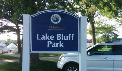 Lake bluff craft fair this saturday in st joseph 97 5 y for Decoration jewels mhw