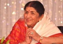 Lata-Mangeshkar-felicitated-with-Legendary-Award-by-the-Brand-Laureate