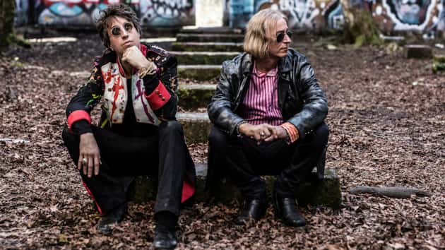 R.E.M. guitarist Peter Buck's new project, Arthur Buck, to tour US in  September
