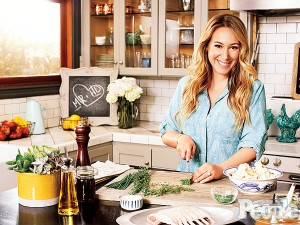 star of real girls kitchen haylie duff - Real Girls Kitchen