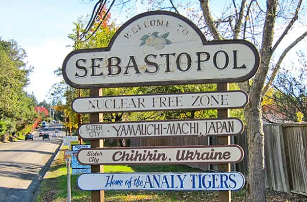 sebastopol-sign
