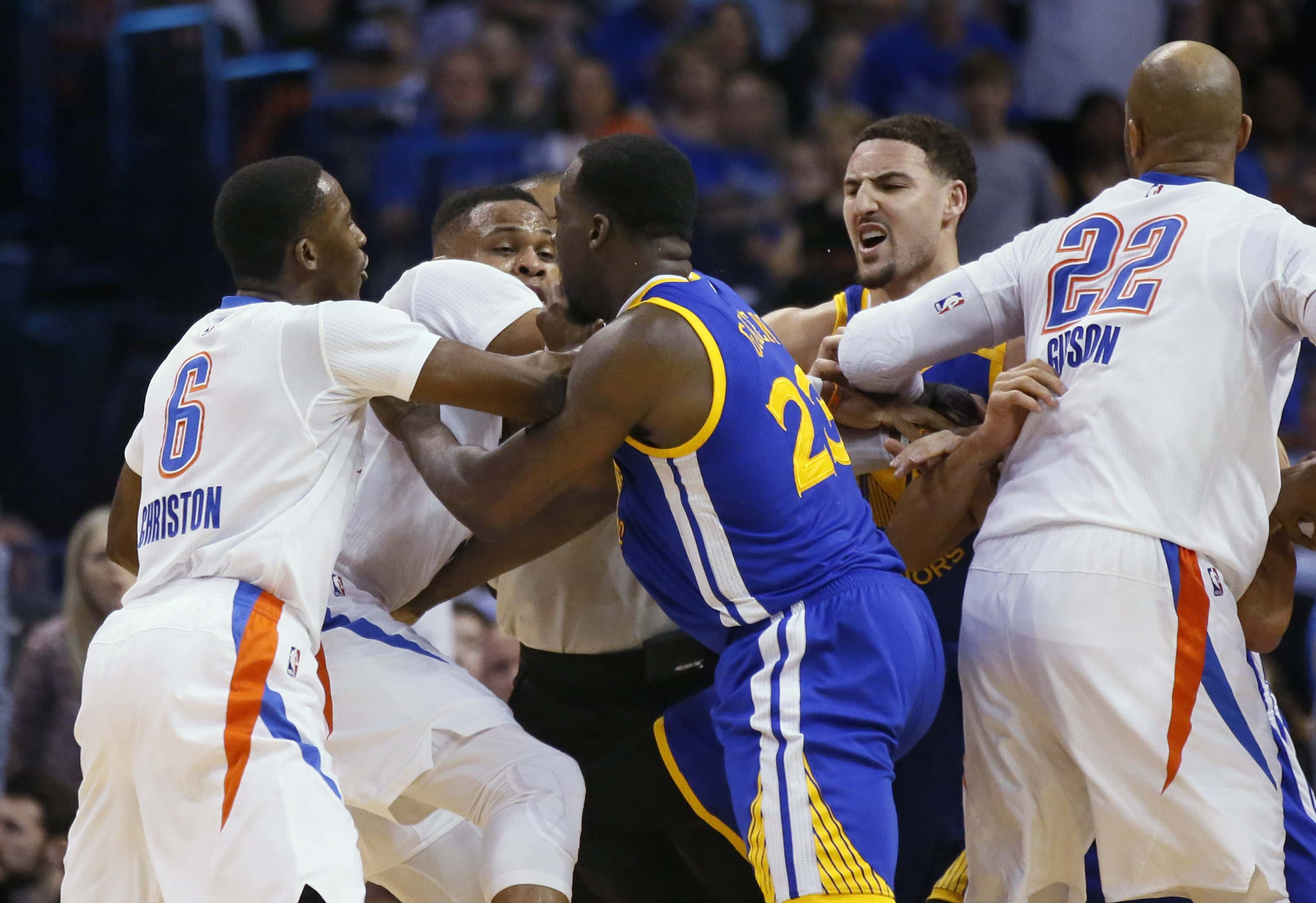 Warriors continue to cruise with rout of Dallas