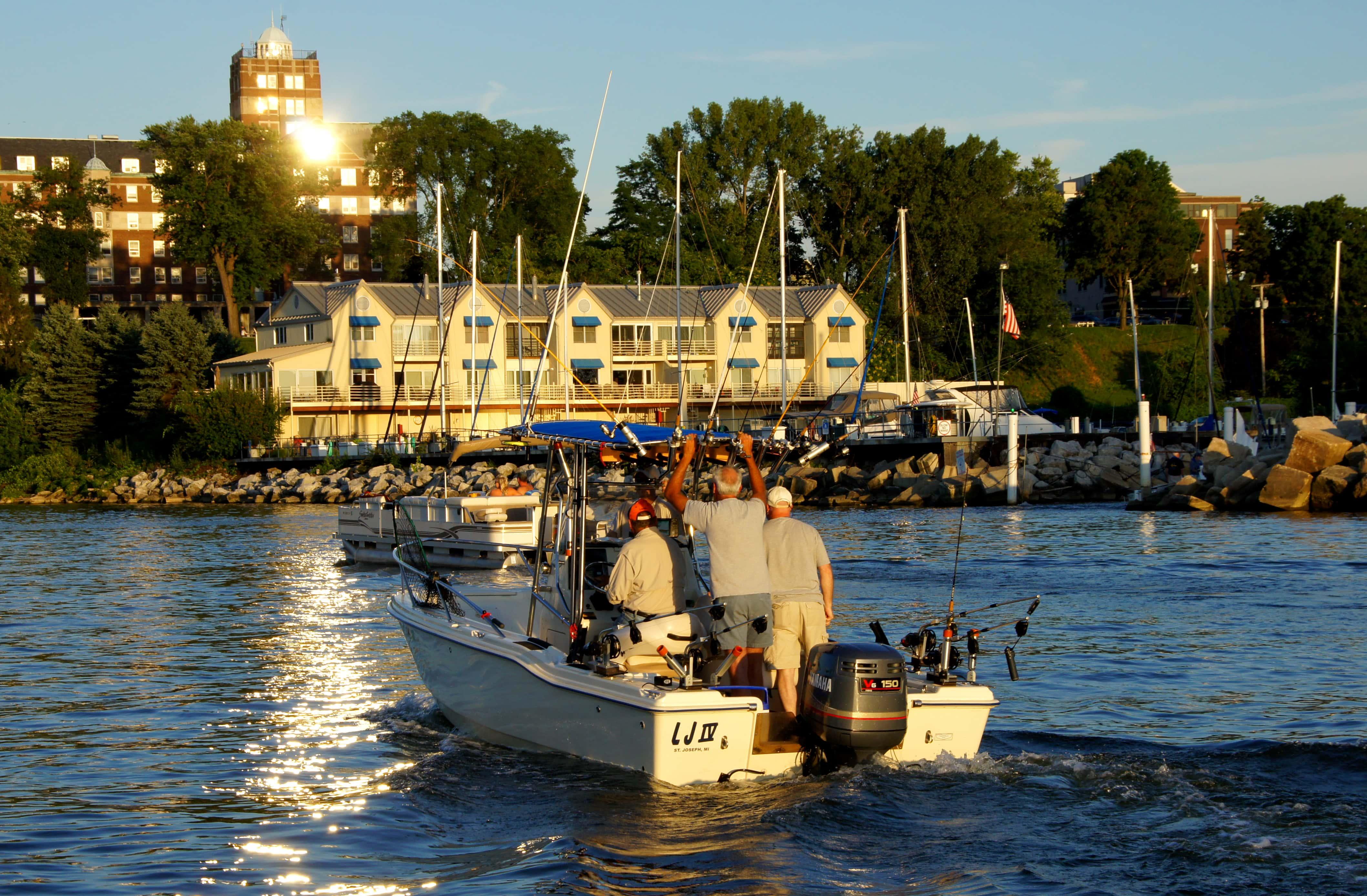 Major workshop on the state of lake michigan fishing for Lake michigan fishing