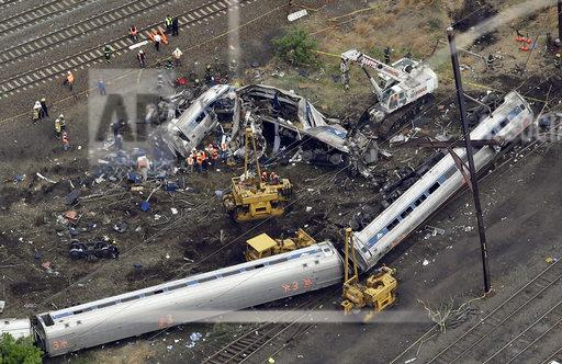 Amtrak engineer won't be charged in deadly crash