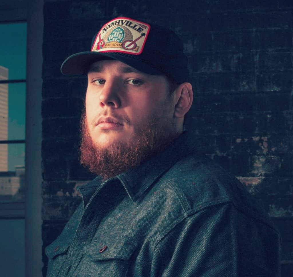 4d050206139a6 Luke Combs Engaged to longtime girlfriend