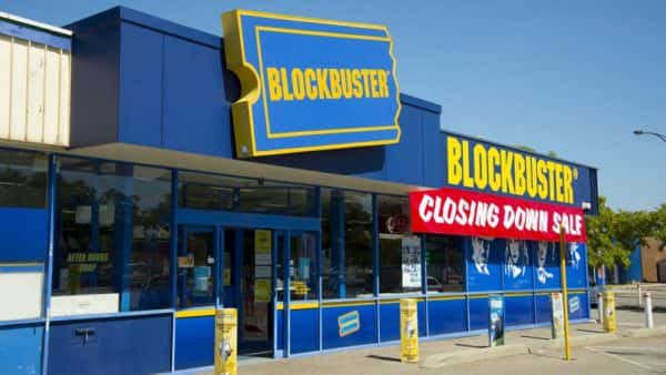 You Can Rent The Last Blockbuster Video Store On Airbnb Hot