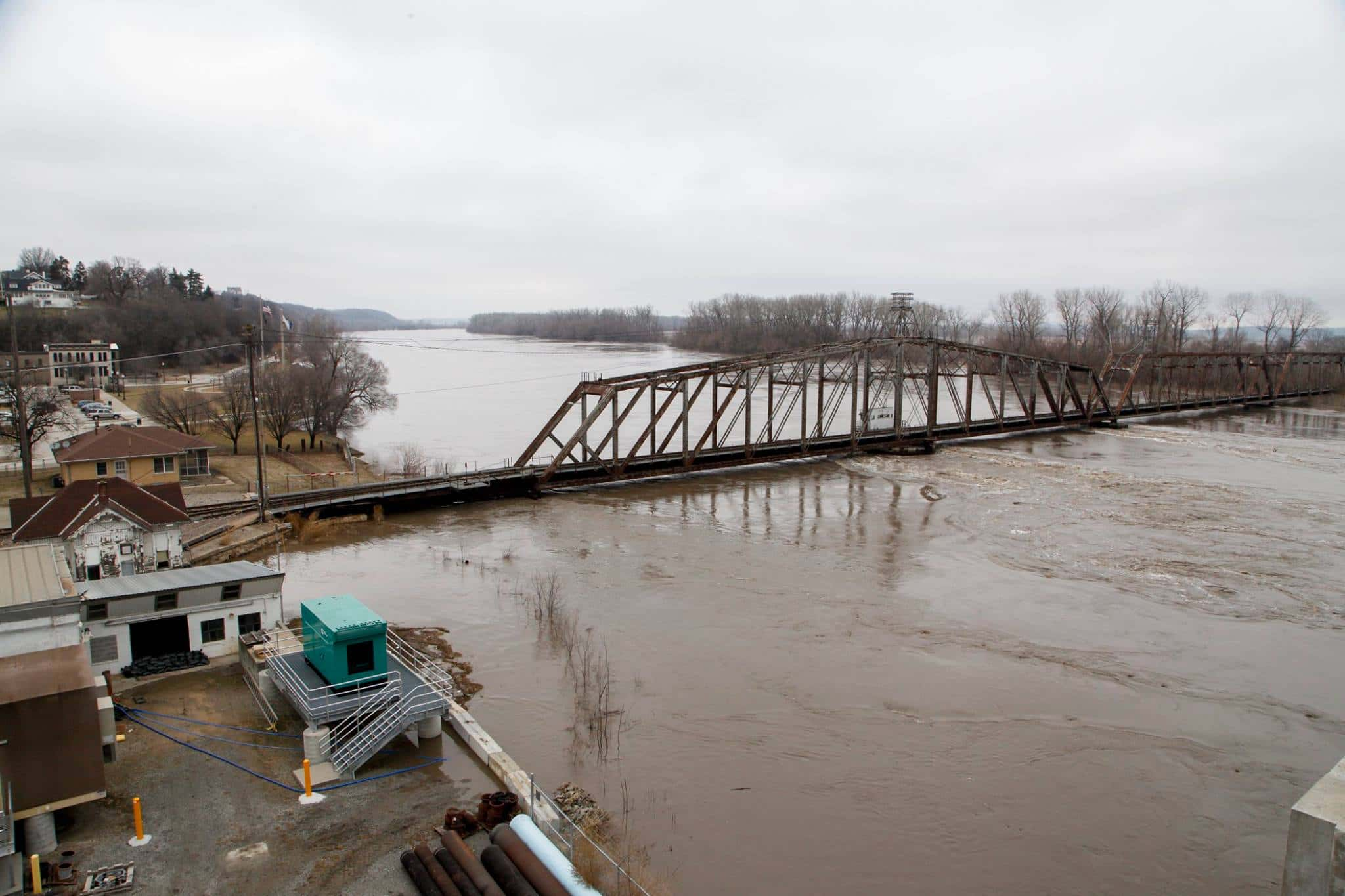 Corps of Engineers defending actions during Missouri River flooding