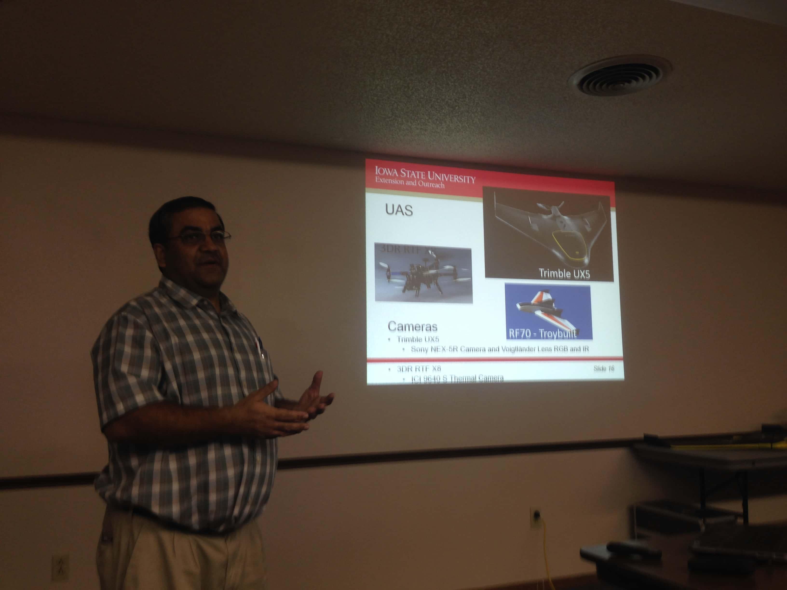 Drone Workshop Focuses on Agricultural Uses | KNIA KRLS
