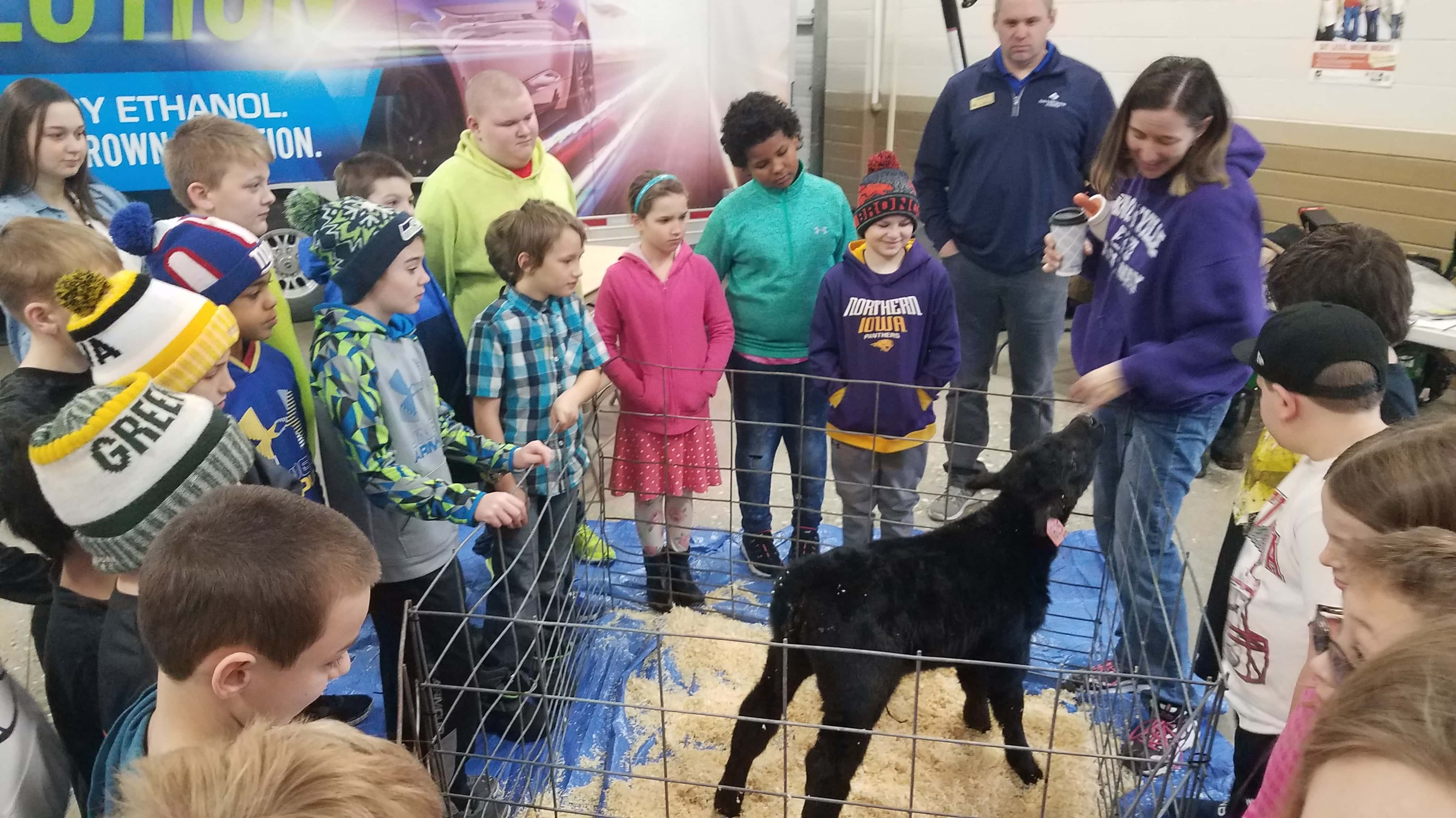 Farm Bureau Hosts Ag in the Classroom in Knoxville   KNIA
