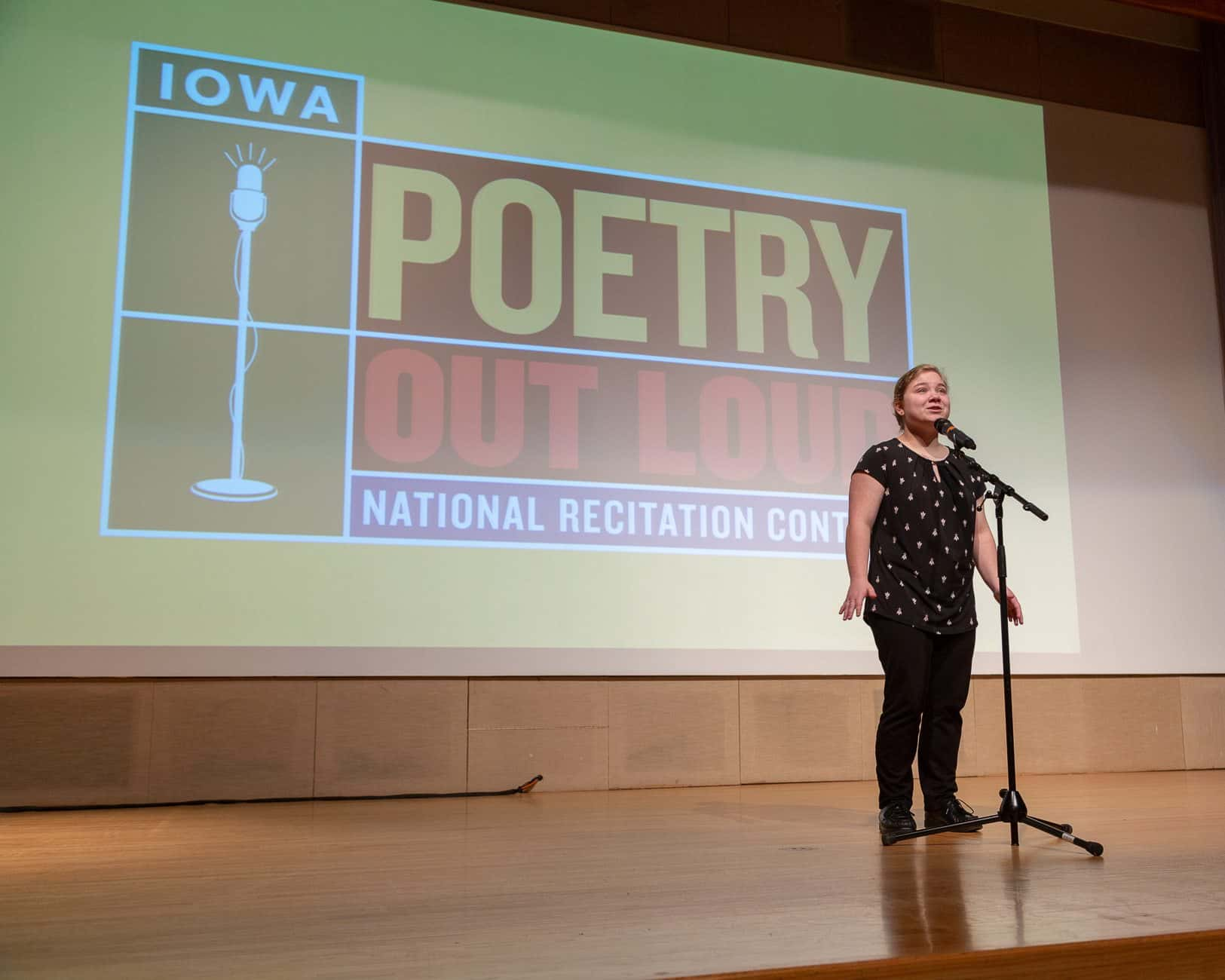 Pella High Student Finishes Top 3 in Poetry Contest | KNIA