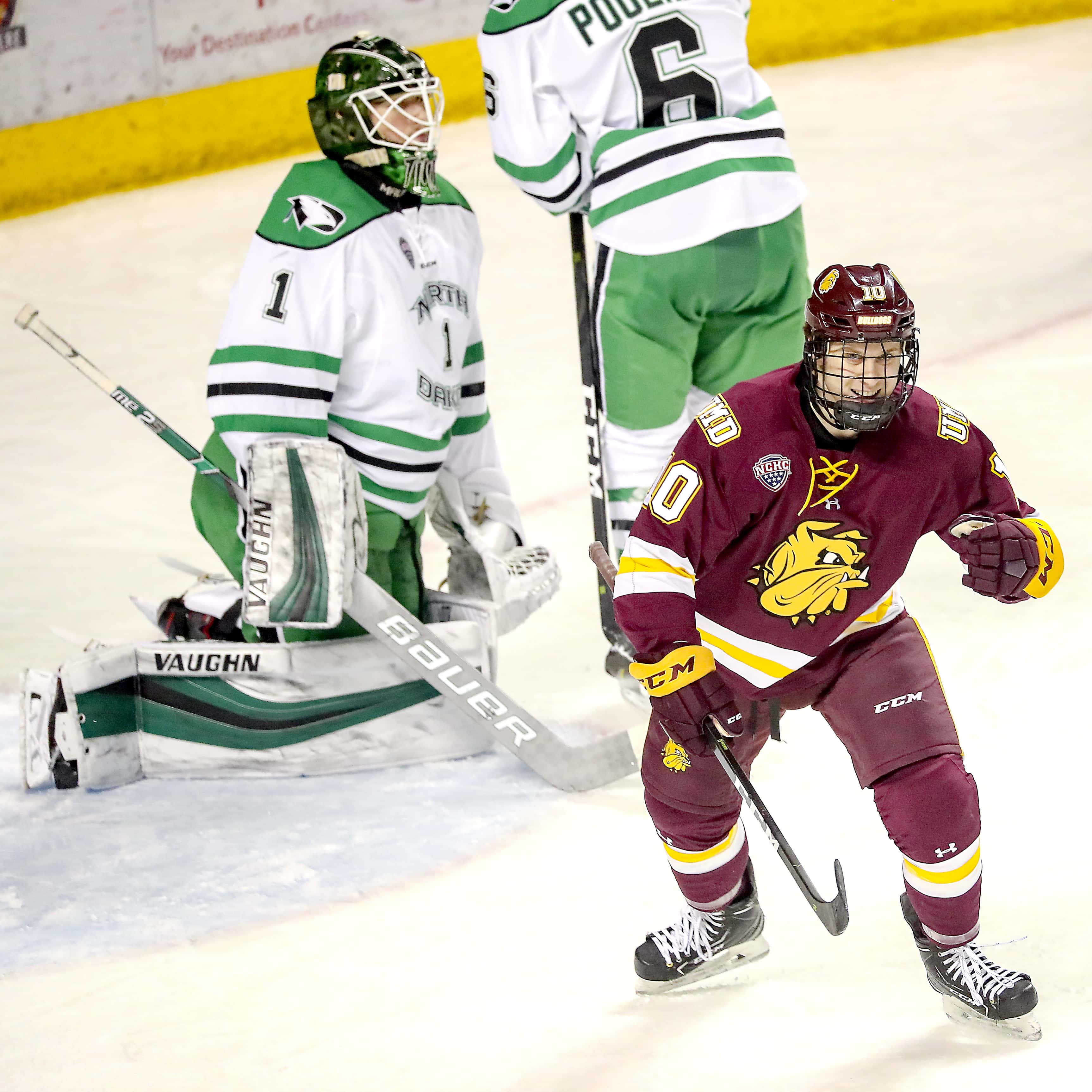 Bulldogs Move Back To 2nd In Nchc After Split With Und The Rink Live